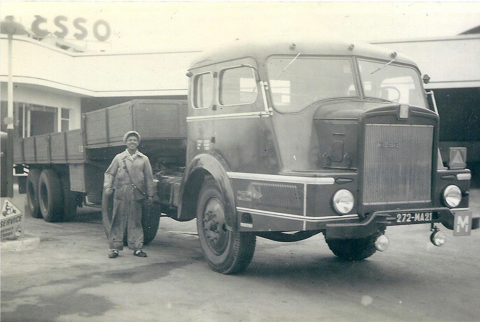 Willeme--de-lelijkste-vrachtwagen-ter-wereld--1952-varkens-neus---(1)
