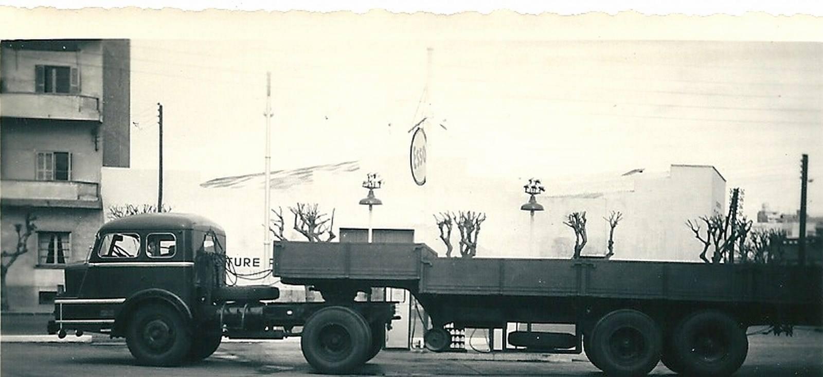 Willeme--de-lelijkste-vrachtwagen-ter-wereld--1952-varkens-neus---(2)