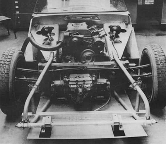 Citroen-DS--S-1964--Ook-wel-DSport-genoemd--een-prototype-voor-een-sportauto-gebaseerd-op-verkorte-wielbasis-DS-met-een-DOHC-2-liter-moto-(2)