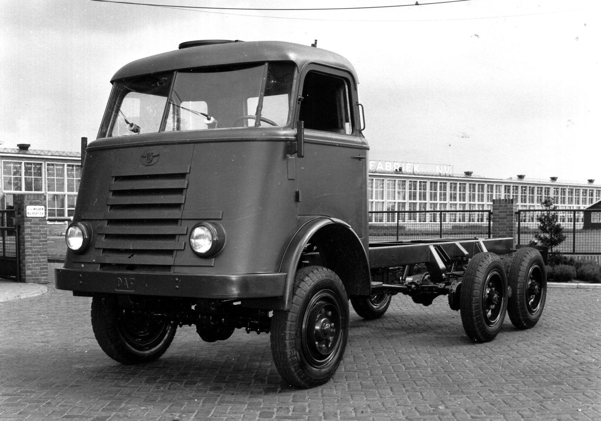 DAF-A50-Trado-6x6-voor-Nieuw-Guinea