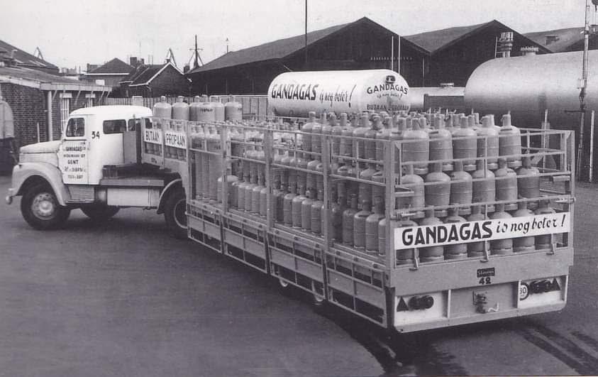 Scania-Vabis-met-Gas-trailer