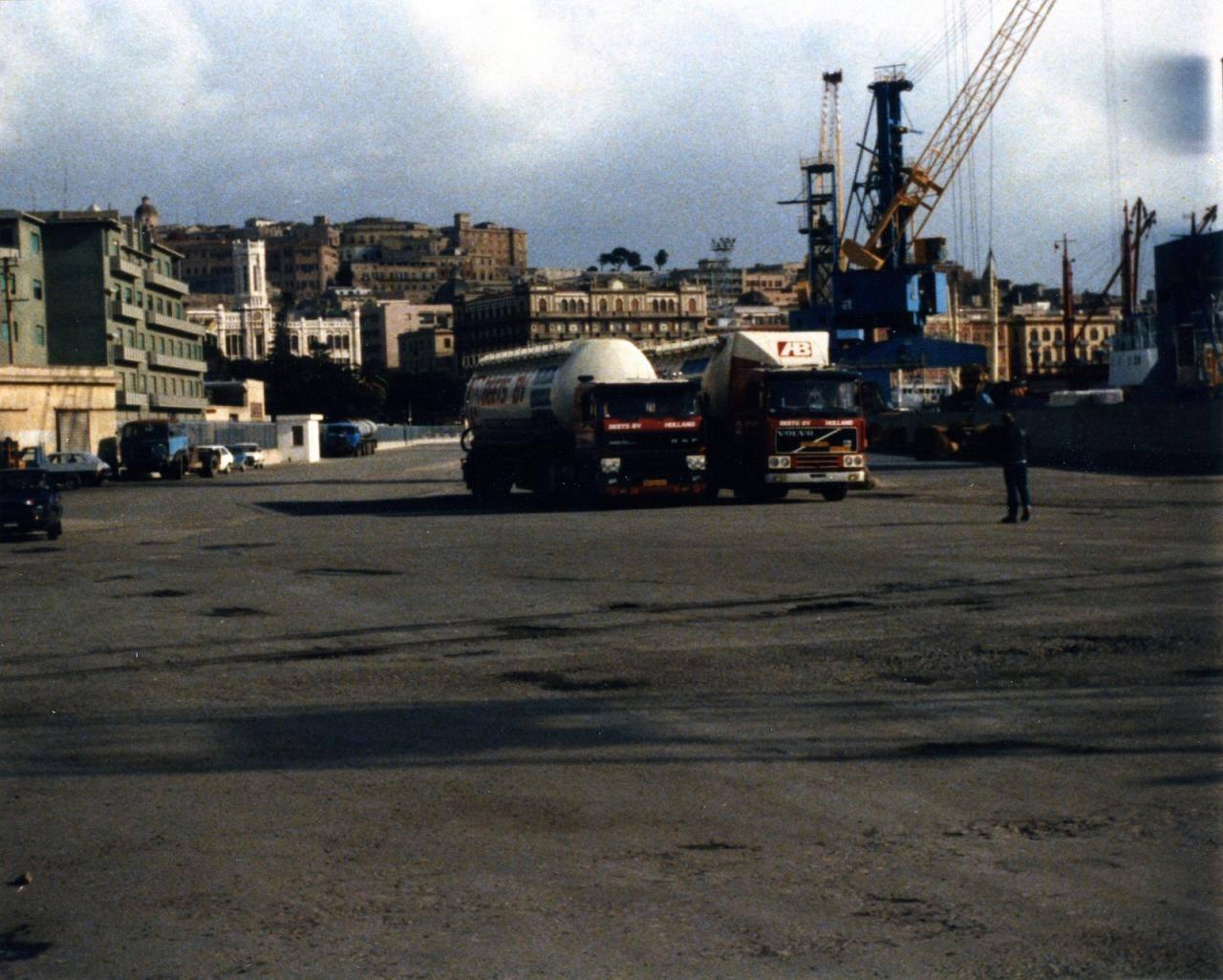Guus-Halberstadt-Haven-van-Cagliari-op-Sardinie--rond-1986--(3)