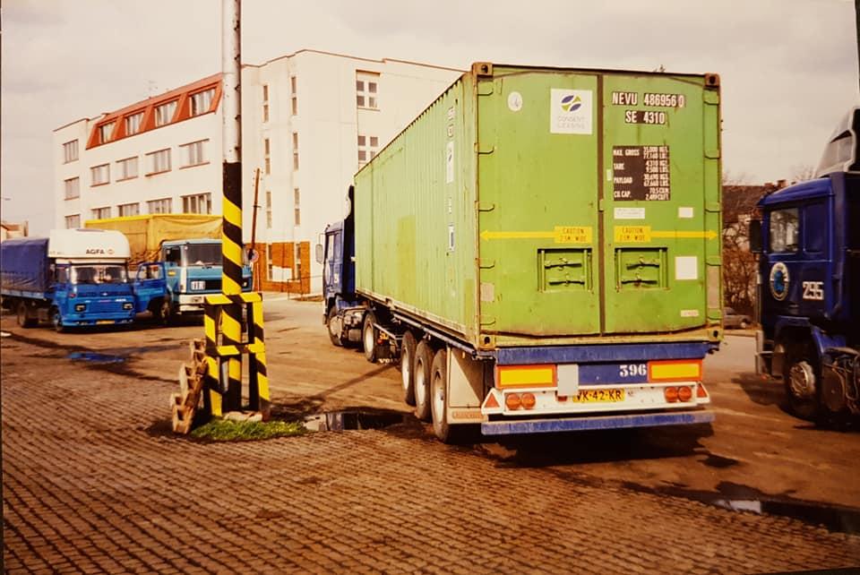 Nr-294-VK-42-KR-Stefan-Derksen-Volvo-F10--Nadrazni-Zollambt-Benesov-CZ--(3)