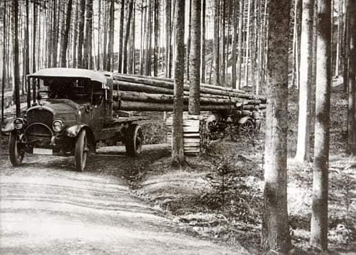 houttransport-van-het-verleden-en-heden--Uranus-De-Vialine--archive--(56)