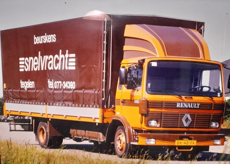 Renault--Peter-Giesbertz-chauffeur-(1)