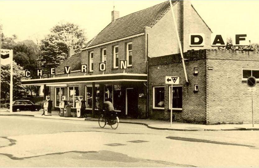 Daf-Dealer-Een-kleine-pomp-aan-de-Veemarkt-Tiel--