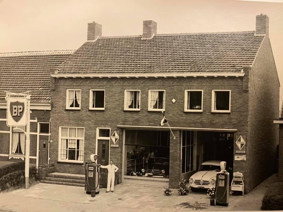 Borgward-Autobedrijf-van-Kaam--Antwerpsestraatweg-Bergen-op-Zoom--