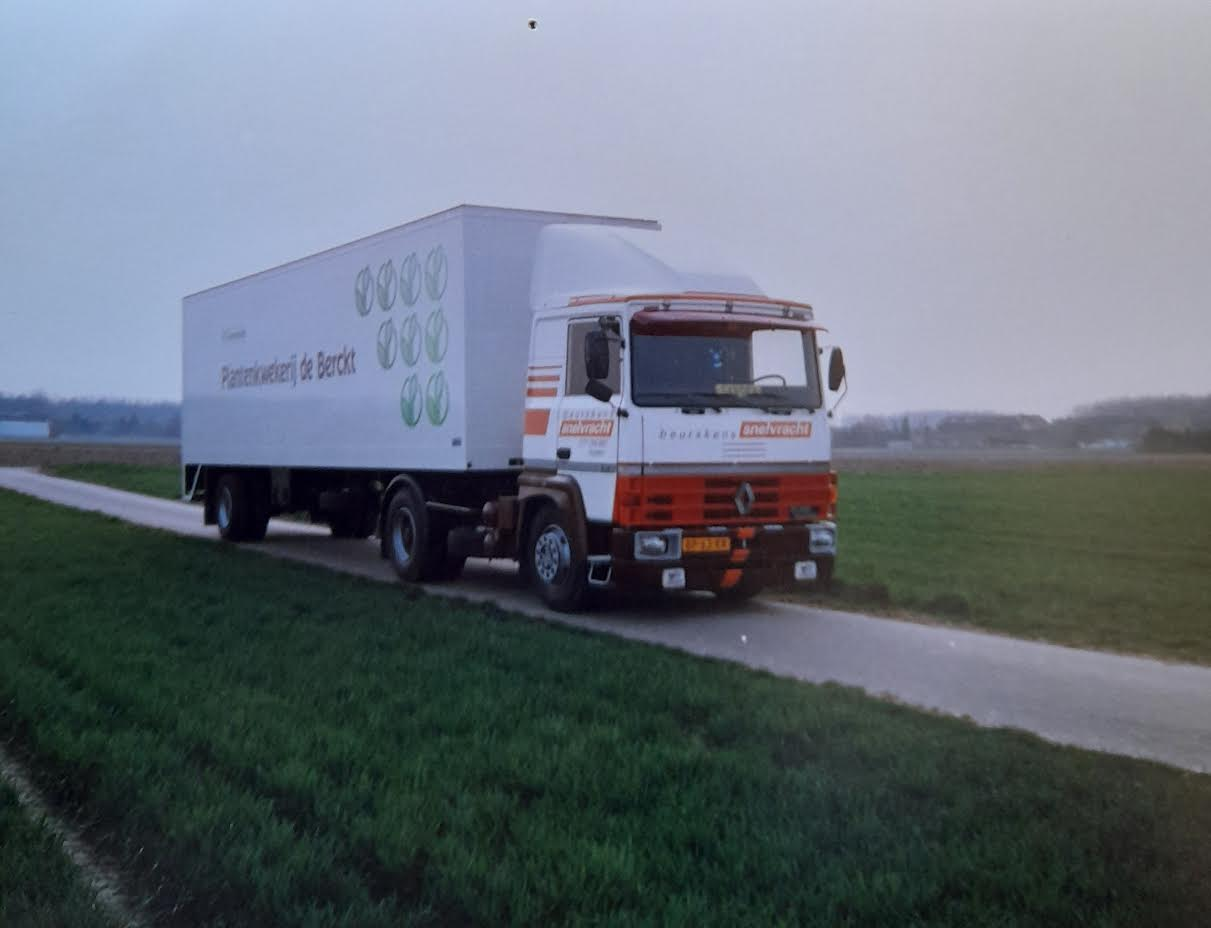 Renault--R-310--Peter-Giesbertz-(2)