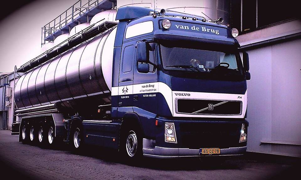Collage-Volvo-(4)