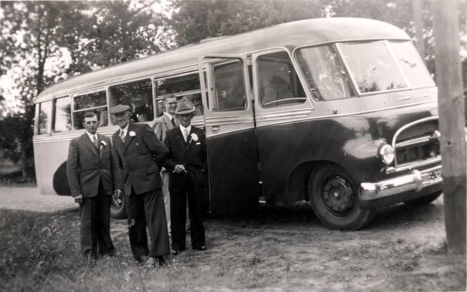 Provinciaal-nummer-E-32774-en-later-NB-47-87--Bouwjaar-1950--Carrosserie-Hondebrink--Chassis-Austin-CXB--37-persoons-(2)