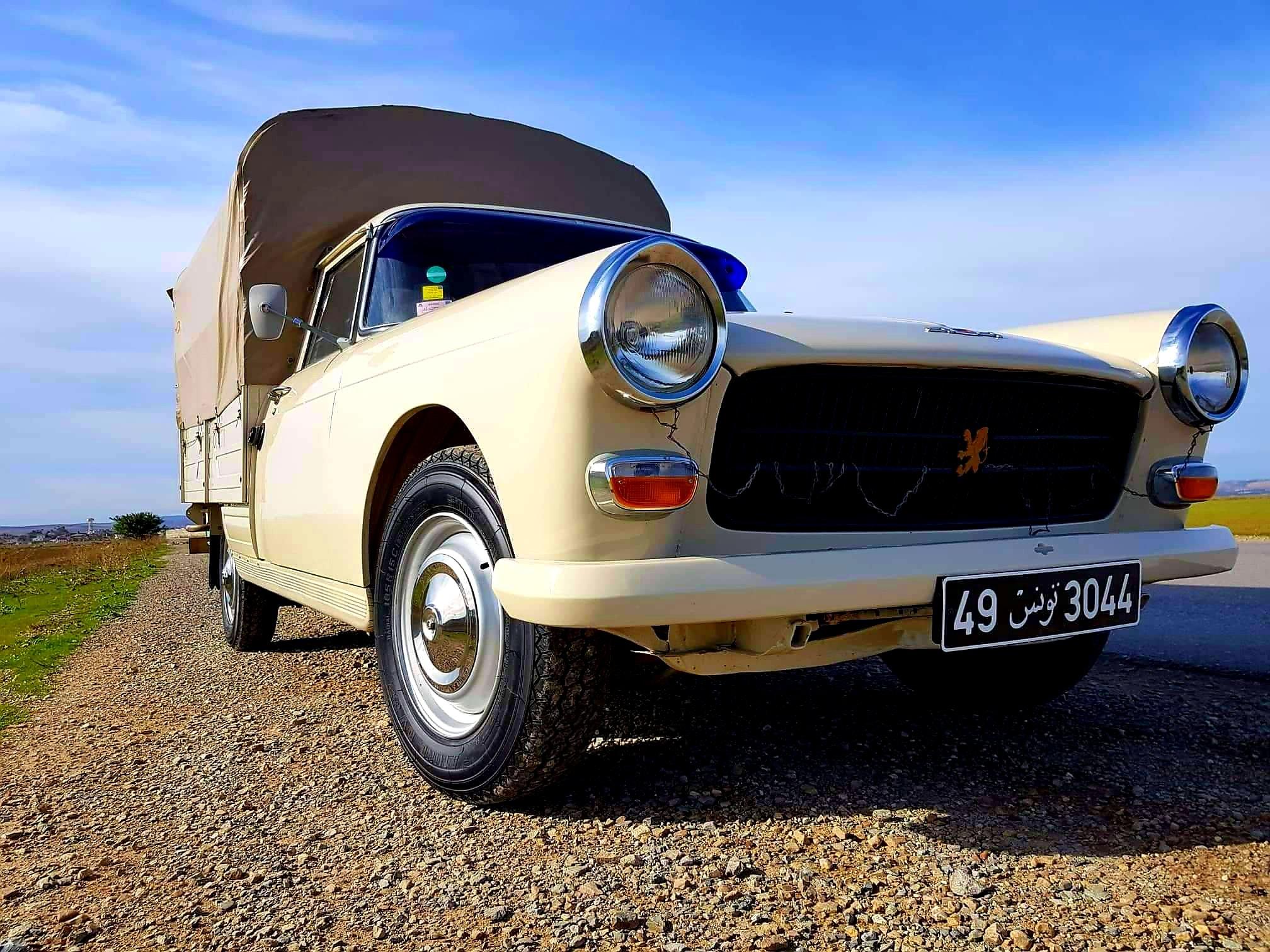 Peugeot-404-bachee-Tunisie-(2)