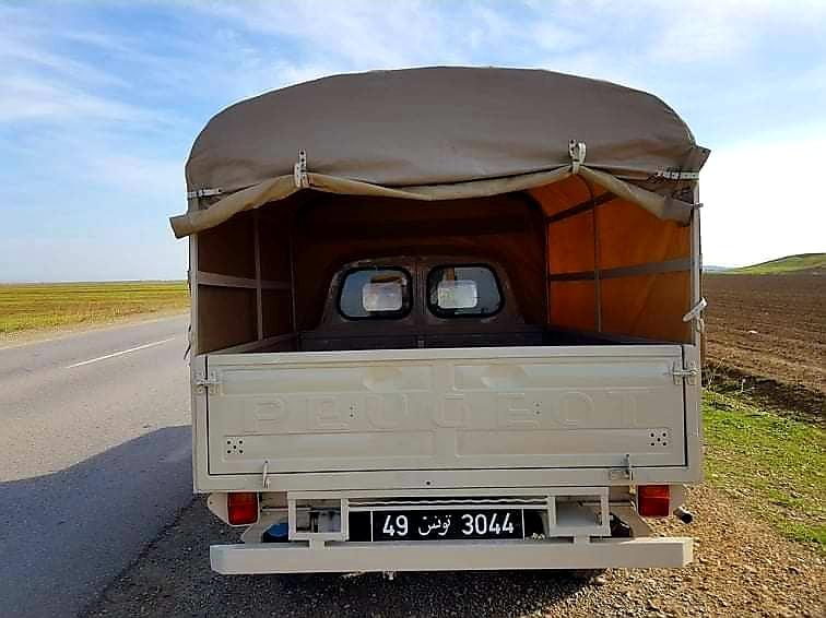 Peugeot-404-bachee-Tunisie-(3)