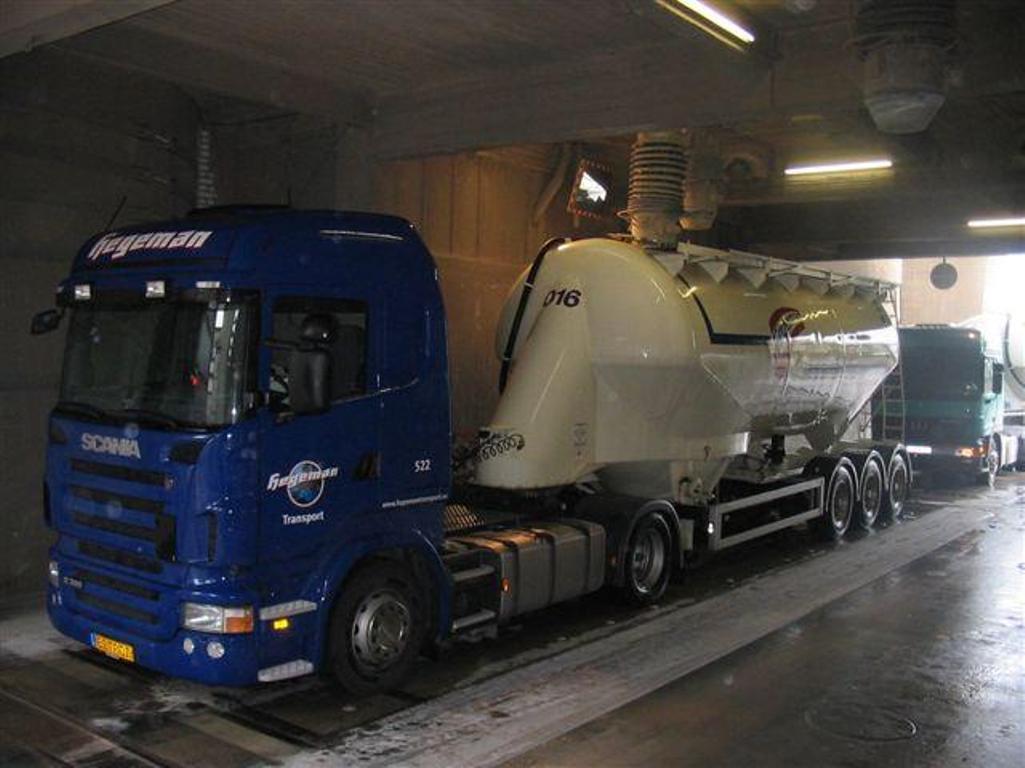 NR-522-cement-laden-bij-Spenner-Erwitte