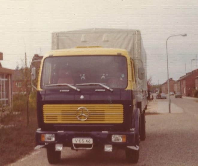 MB-1624-Chauffeur-Pierre-Cuypers--uit-Belfeld--Jac-Pijnenburg-archief-2-jpg