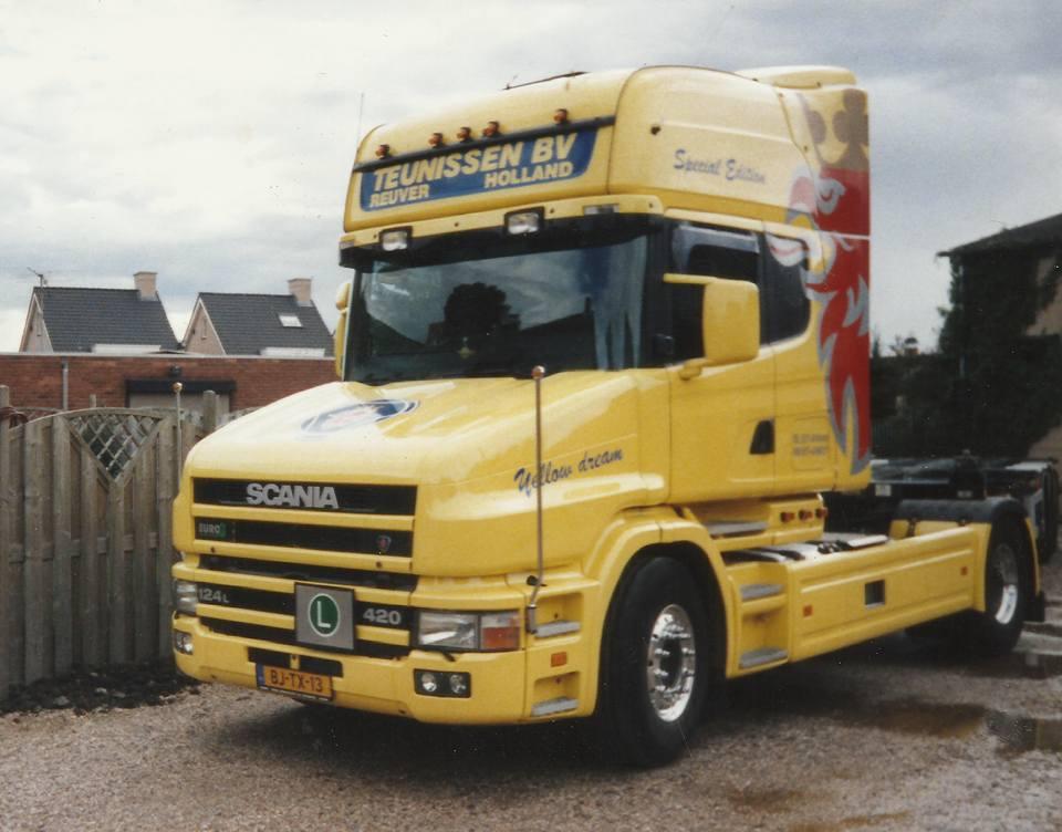 Scania-124-L-