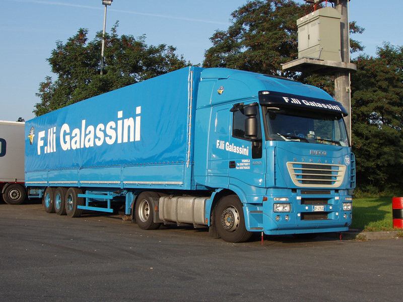 Iveco-Stralis-AS-440-S-50-Galassini-Holz-220807-01
