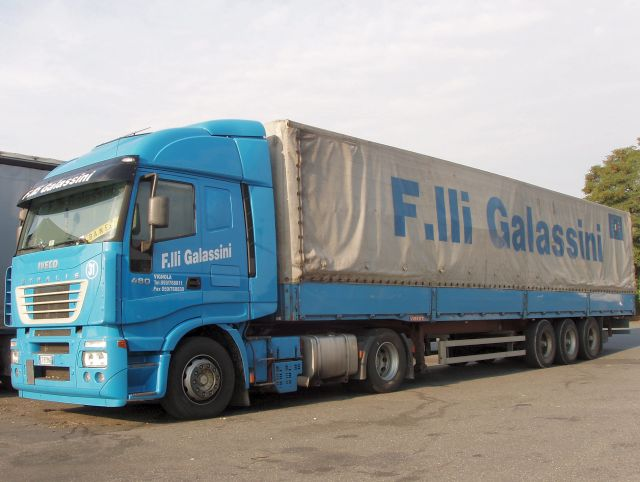 Iveco-Stralis-AS-440S48-Galassini-Holz-100105-01