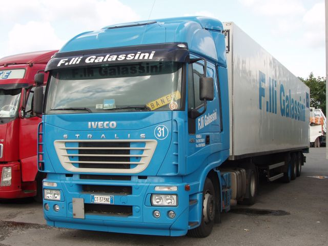 Iveco-Stralis-AS-440S48-Galassini-Holz-310706-01
