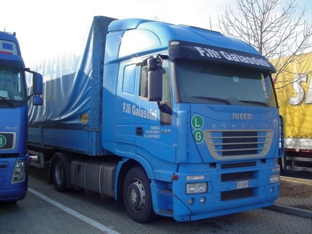 Iveco-Stralis-AS-440S48-Galassini-Linhardt-100506-01