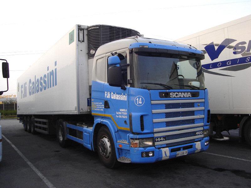 Scania-144-L-460-Galassini-Halasz-270707-01