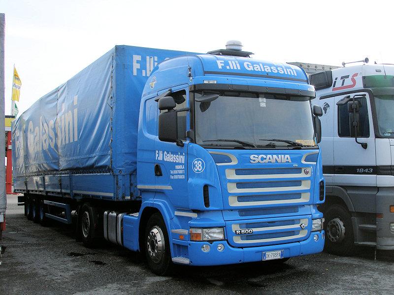 Scania-R-500-Galassini-Holz-260808-01
