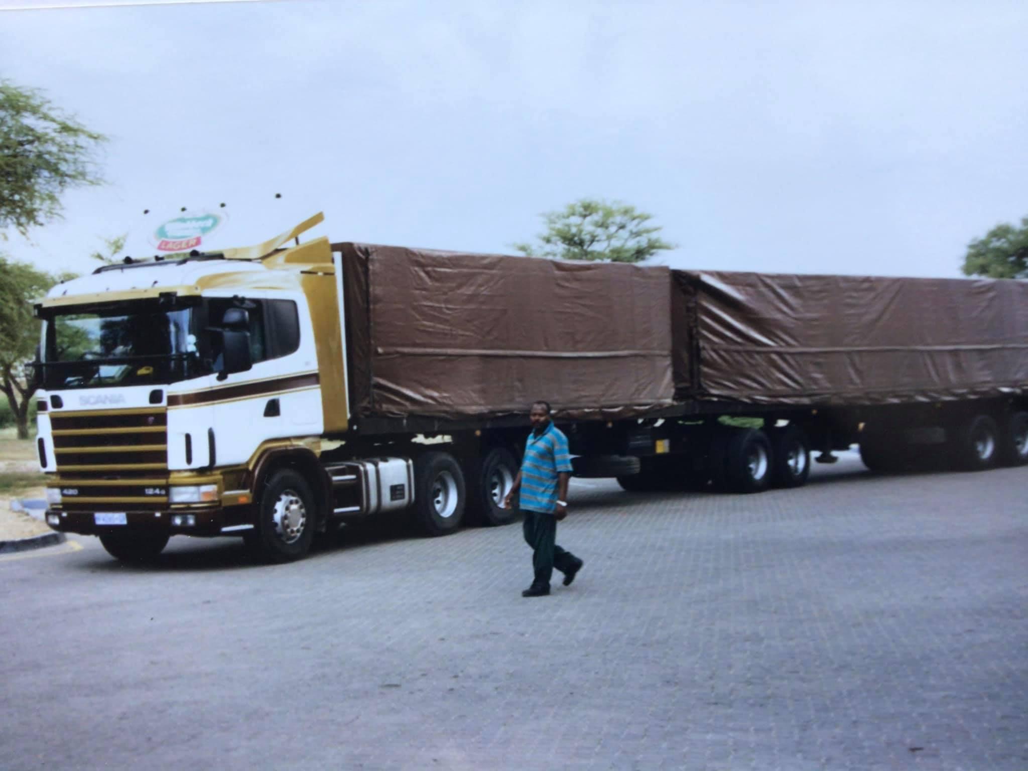 Dieters-L-Honneux-Namibie-1999-en-2001--bij-Makakata-in-Omaruru---(1)