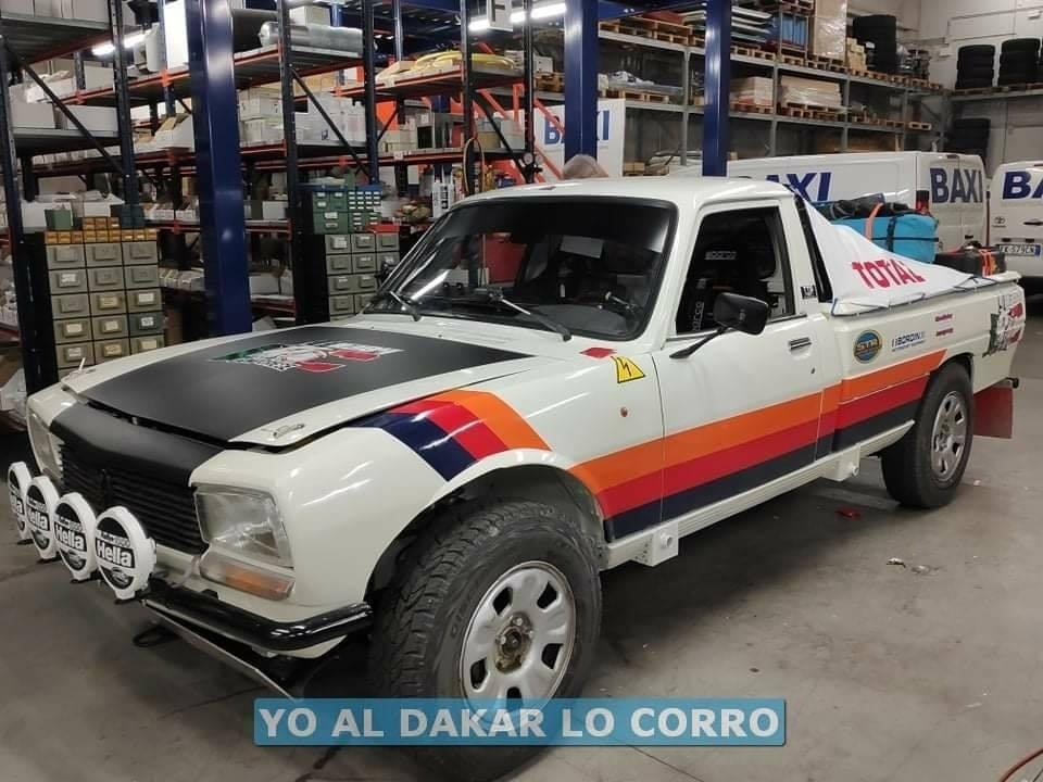 Peugeot-504-oldtimer-in-de-Dakar-rally-van-2021---(1)