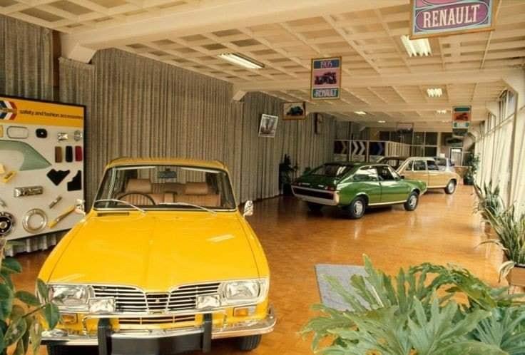 Renault-showroom-(2)