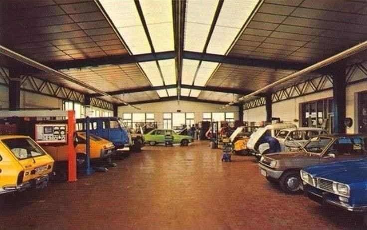 Renault-showroom-(4)