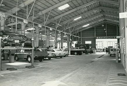 Mazda-garages-op-het-Japanse-eiland-Okinawa--(3)
