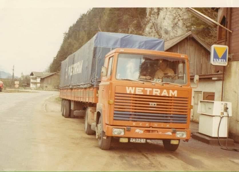 Scania-110-deze-chauffeur-werd-later-planner-en-heeft-zelf-een-transport-begonnen-Huinen