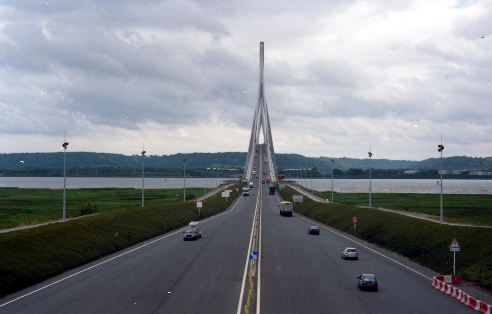 Ger-van-Vlimmeren-pont-de-Normandie