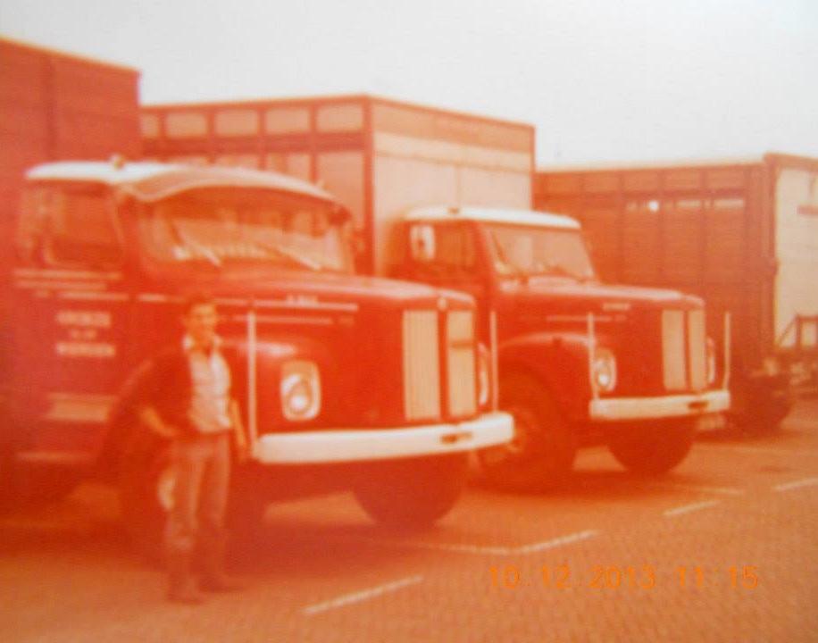 0-Jan-Kroeze-bij-zijn-Scania-Vabis-veewagen