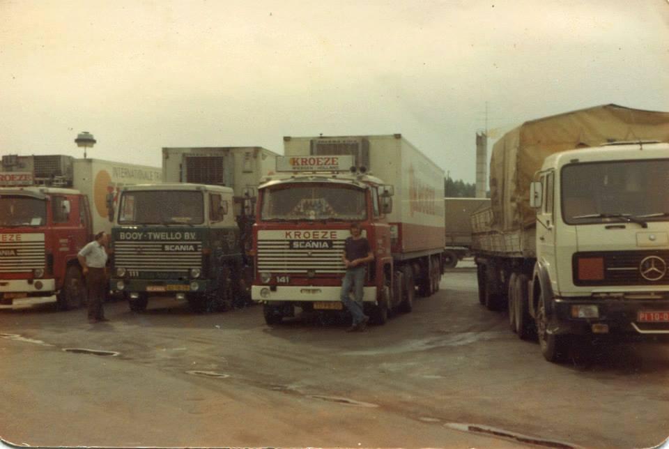 Andre-Bergsma-voor-de-truck--helemaal-links-de-combie-van-Willy-Boksebeld