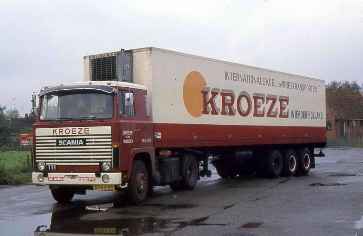 Scania-111-met-drieasser-dubbellucht--Dikke-Berta