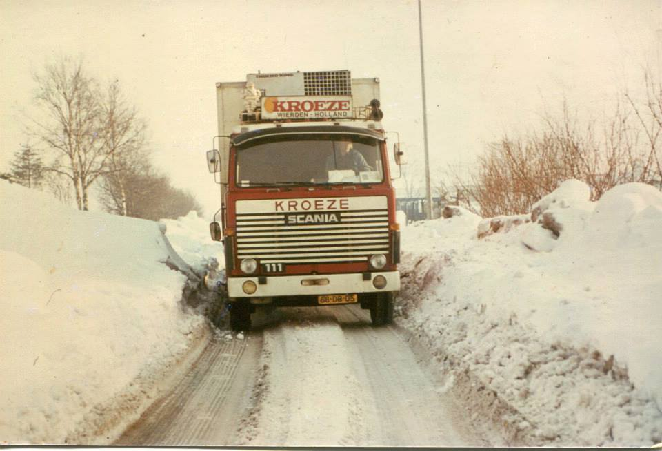Scania-111-ook-in-de-sneeuw-Willy-Boksebeld