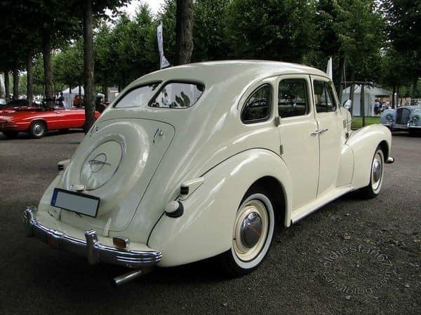 Opel-kapitan-1953-(2)