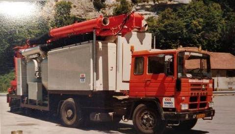 Pegaso-de-eerste-cement-overslag-machine-van-ENBO-trailer-Bulhuis-Rinus-Wesselink-archief