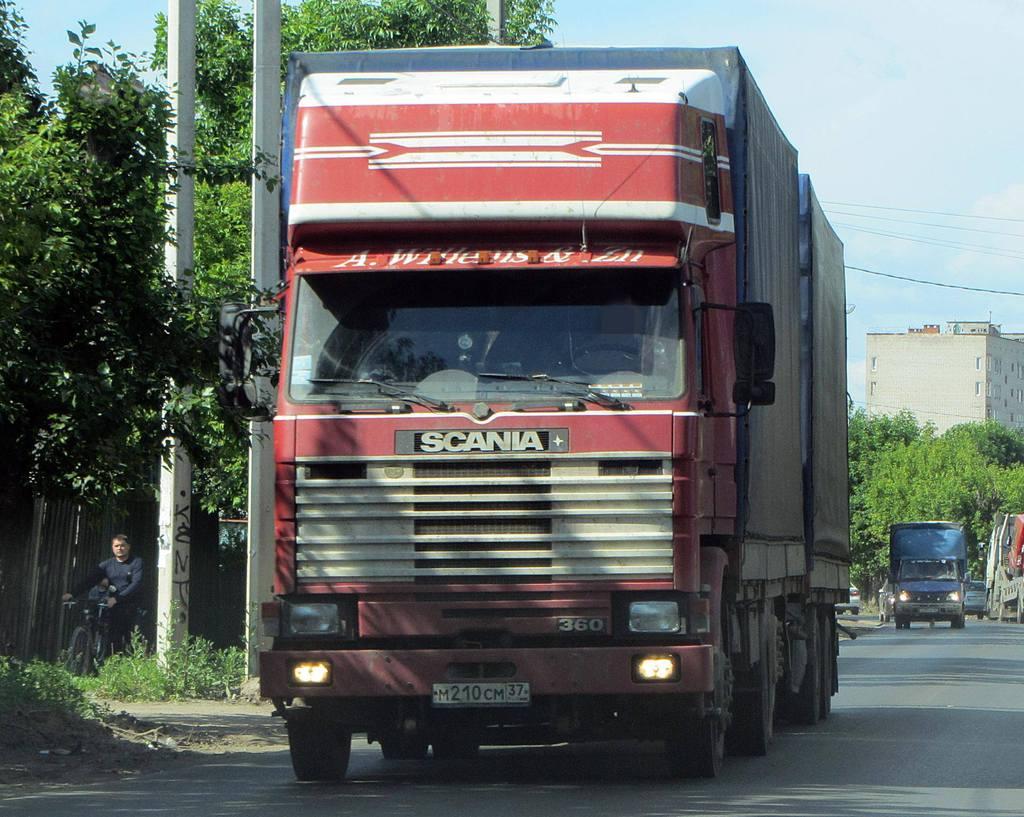 Rob-Willems-zijn-oude-wagen-in-Rusland-charter-voor-NOY