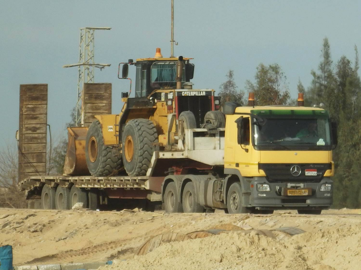 Construction-du-second-canal-de-Suez-Egypte-2015---(5)