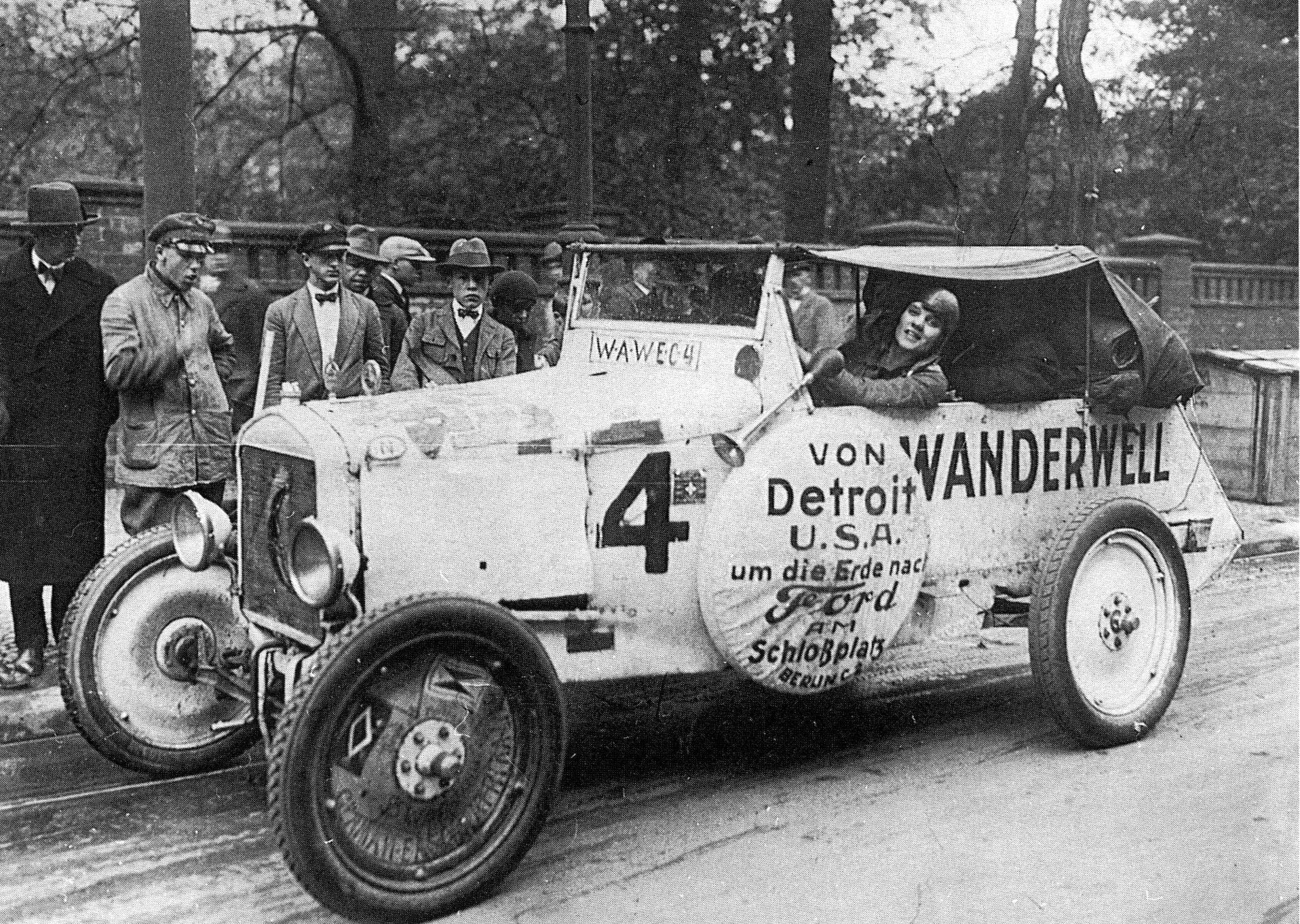 Ford-T--1928-Nog-verder-wilde-mevrouw-Aloha-Wanderwell-de-eerste-vrouw-zijn-die-de-wereld-rondreisde--