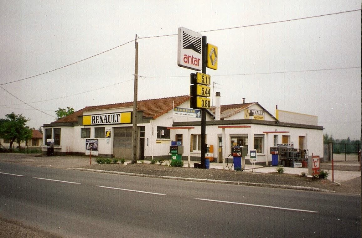 Renault-Dealer-piney-10220-de-garage-van-mijn-ouders-Erick-Robert-photo