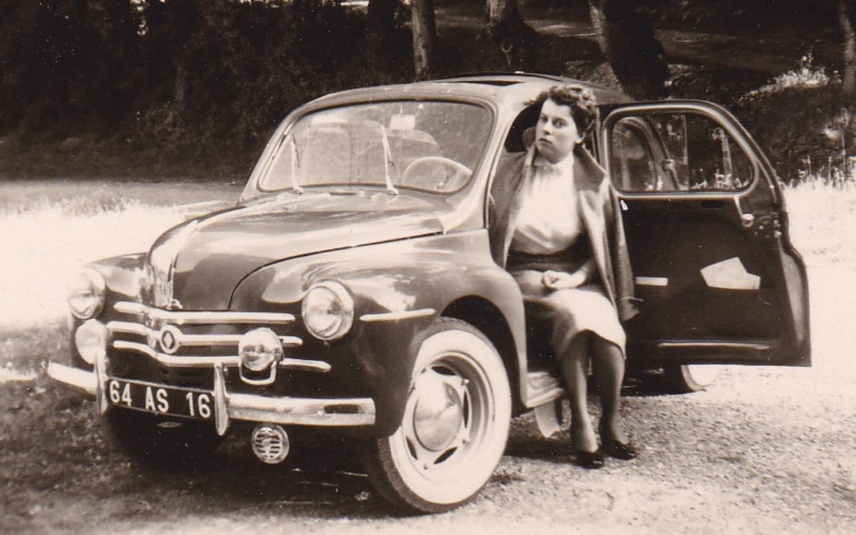 Renault-4-CV-(3)