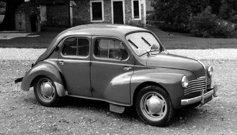 Renault-4-CV-(4)