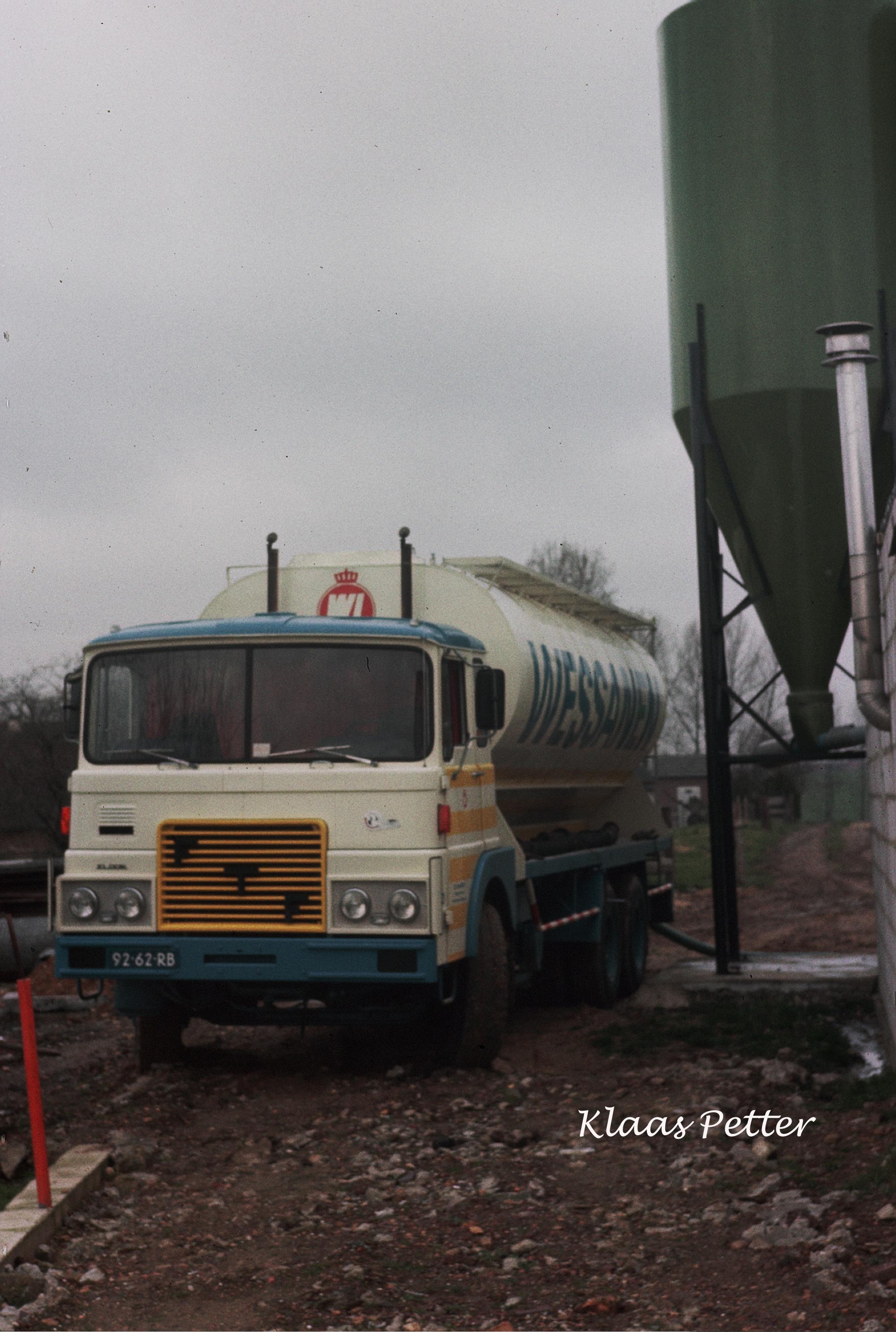 1977-Kalvermelkpoeder-lossen--in-Eys-Wittem