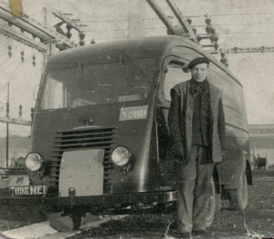 Renault-1000-KG--(5)
