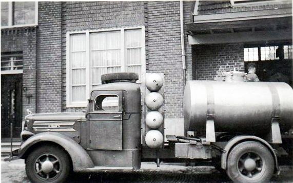 ca-1944-oorlogs-jaren-op-gas-rijden
