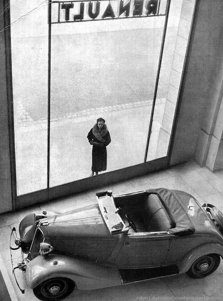 Renault-showroom-1934-