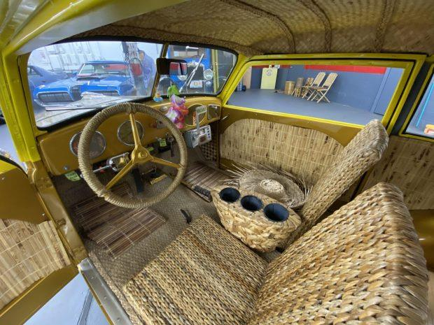 Crosley-CC-Four-is-een-gemodificeerde-stationwagen-aangedreven-door-een-44-ci-inline-44-gekoppeld-met-een-handmatige-versnellingsbak-met-drie-versnellingen-1948--(3)