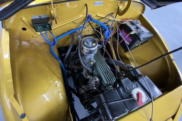 Crosley-CC-Four-is-een-gemodificeerde-stationwagen-aangedreven-door-een-44-ci-inline-44-gekoppeld-met-een-handmatige-versnellingsbak-met-drie-versnellingen-1948--(4)